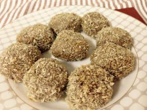 Toasted Coconut Almond Apricot Energy Balls