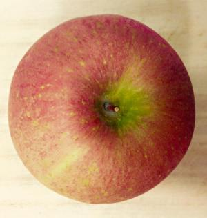 Start with a fresh, ripe apple and wash it well.
