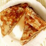 High-Protein Cinnamon-Vanilla French Toast with Syrup